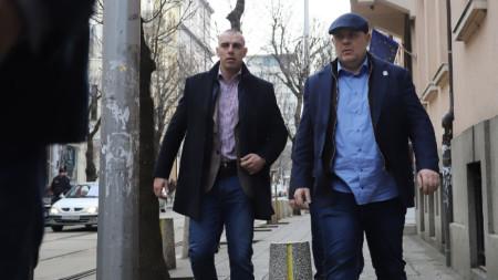 Главният прокурор Иван Гешев (вдясно) влиза за заседание на Висшия съдебен съвет.