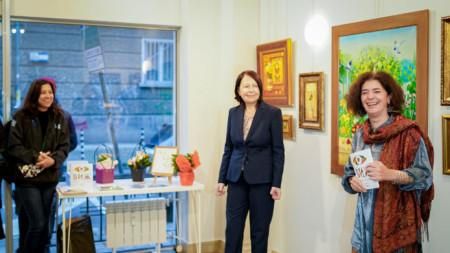 Елена Стоева показва свои произведения