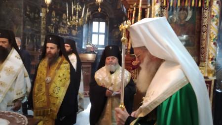 Патриарх Неофит каза за дядо Максим, че той е бил истински монах, истински архиерей, истински молитвеник.