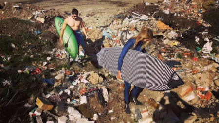 Замърсяване на плажната ивица край Приморско