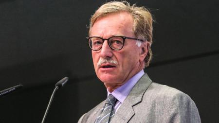 Технологичното развитие поставя много големи предизвикателства пред банковата сфера, заяви Ив Мерш от ЕЦБ на форума във Франкфурт.
