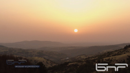 Изгрев над Източните Родопи, с. Комунига