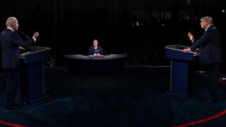 Джо Байдън и Доналд Тръмп по време на единствения досега телевизионен дебат помежду им на 29 септември 2020
