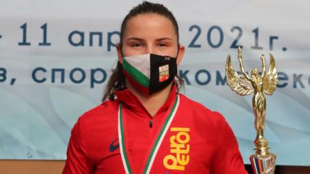 Биляна Дудова с приза за най-добра българска състезателка на турнира