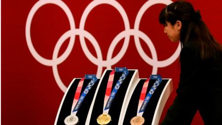 Така ще изглеждат медалите в Токио догодина.