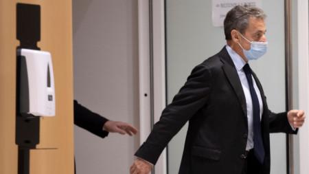 Никола Саркози при явяването си в съда в Париж - 30 ноември 2020