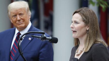 Тръмп номинира консервативния съдия Ейми Кони Барет