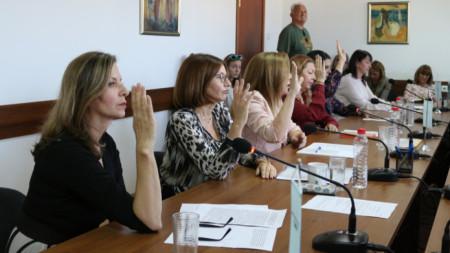 Съветниците гласуваха единодушно за предсрочно прекратяване на мандата.