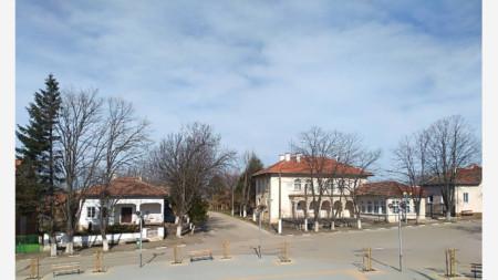 обновеният площад в село Буковец, община Бяла Слатина