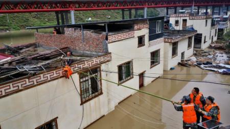 Спасителна операция в окръг Вънчуан на югозападната китайска провинция Съчуан