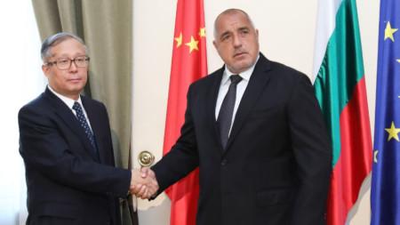 Премиерът Бойко Борисов на срещата си с Ли Хунджон, член на Политбюро на китайската компартия, който е ранг на вицепремиер.