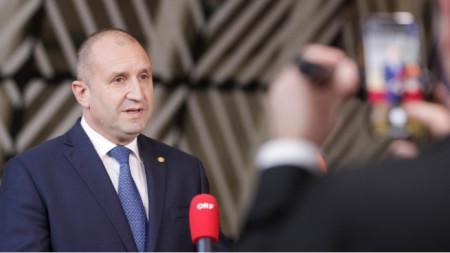 Rumen Radev interviene ante periodistas en Bruselas