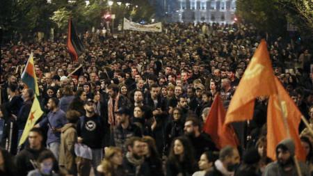 Мирната демонстрация по повод 46-ата годишнина от бунта в Атинската политехника.