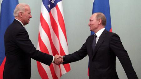 Джо Байдън и Владимир Путин в Москва, 10 март 2011 г.