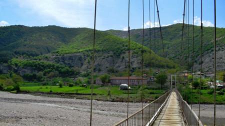 Issızlaşan Lisitsite köüyünün köprüsü.