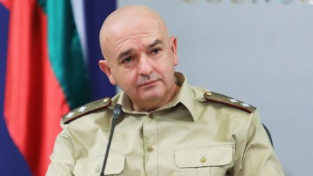 Ген. Венцислав Мутафчийски - началник на Националния оперативен щаб.