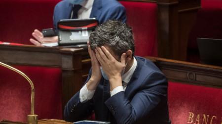 Френският вътрешен министър Жералд Дарманен по време на дебатите в Националното събрание