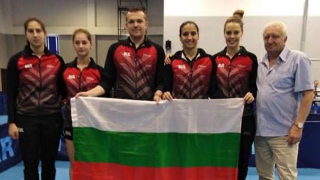 Отборът след класирането заедно с президента на федерацията Стефан Китов.