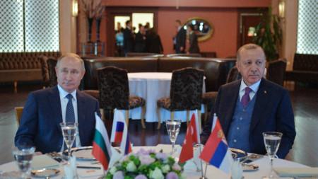 Владимир Путин и Реджеп Ердоган разговаряха след церемонията по откриване на
