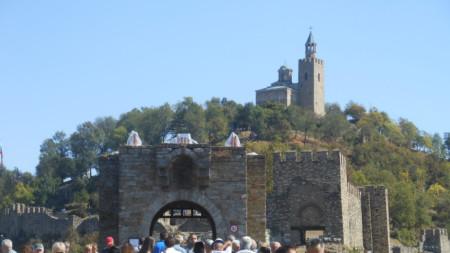 """Най-предпочитаното място от туристите – крепостта """"Царевец""""."""
