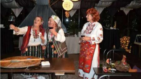 Дешка Кротева и баби от Горно Драглище