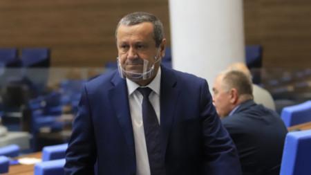 Dr. Hassán Ademov