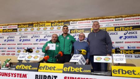 Атанас Герчев, Ивайло Иванов, Румен Стоилов и Даме Стойков (отляво-надясно)