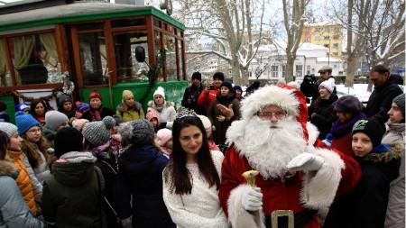 Дядо Коледа и Снежанка
