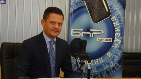 Председателят на КЗП Димитър Маргаритов в студиото на
