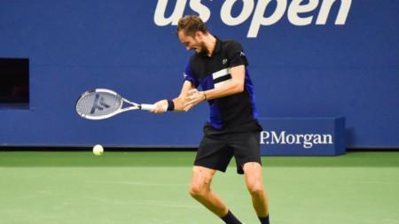Даниил Медведев продължава участието си в Ню Йорк.