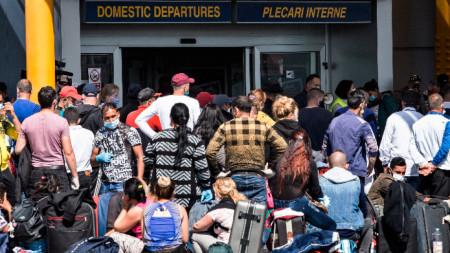 Сезонни работници заминава от Букурещ за Германия, 9 април 2020 г.