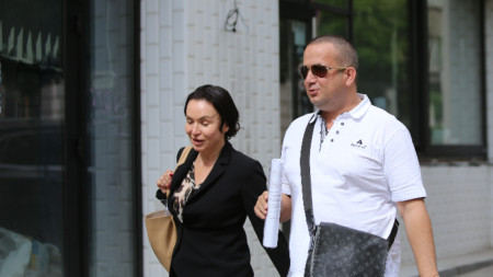Светослав Илчовски с адвоката си Галя Гълъбова.