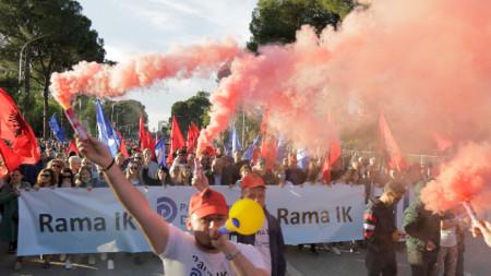 Антиправителствен протест в Тирана