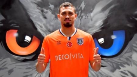 Лео Дуарте ще играе под наем в турския Истанбул Башакшехир