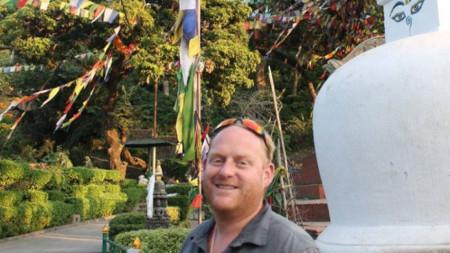 Джеймс Хюс по време на спасителна акция в Непал