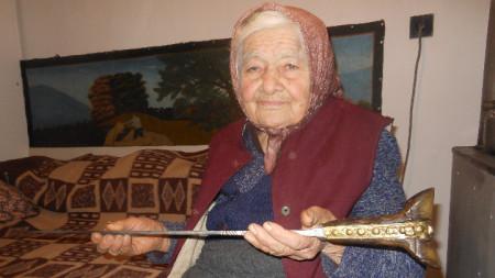 Баба Каля Стоева е от рода на Матей Преображенски.
