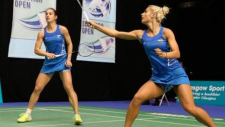 Стефани Стоева (вляво) и Габриела Стоева ще играят и на единично.