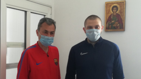 Две поколения в медицината  - д-р Виктор Точков и д-р Валентин Точков