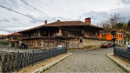 Die Stadt Elena lockt mit Ruhe und authentischer Wohnkultur aus der Zeit der bulgarischen Wiedergeburt