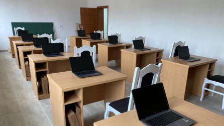 Новият компютърен кабинет в Пустец