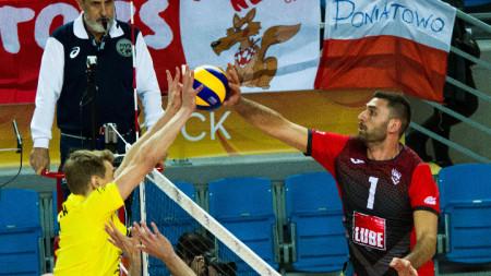 Соколов (вдясно) се отличи с 12 точки.