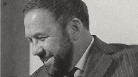 Петър Незнакомов
