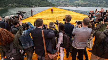 """Кадър от документалния филм """"Да ходиш по вода"""""""