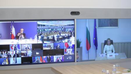 """Екатерина Захариева участва във видеоконферентен Съвет """"Външни работи"""""""