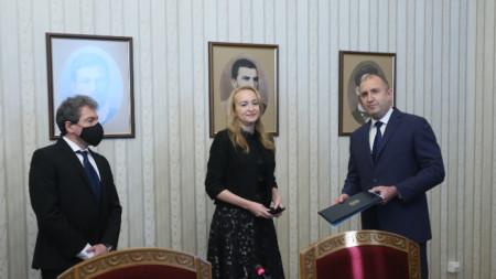 President Rumen Radev (R) takes back mandate from Antoaneta Stefanova.