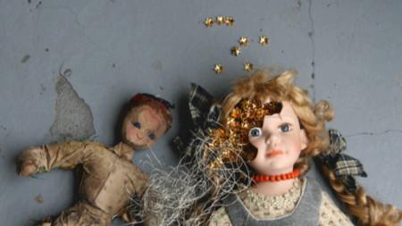 """Нина Ковачева от серията """"Smiles Giving, Tears Crying"""", 2008 печат върху алуминий, 100 х 140 см Частно притежание"""