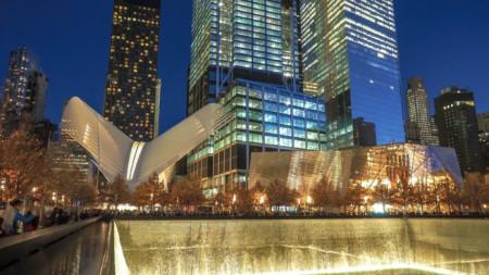 И на вечерна светлина паркът-паметник е запомнящ се и красив