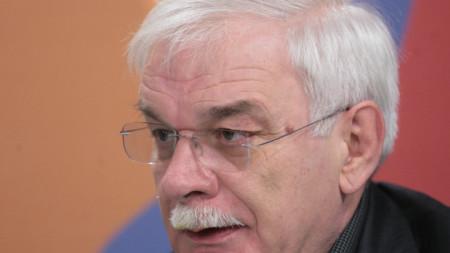 Валентин Радомирски
