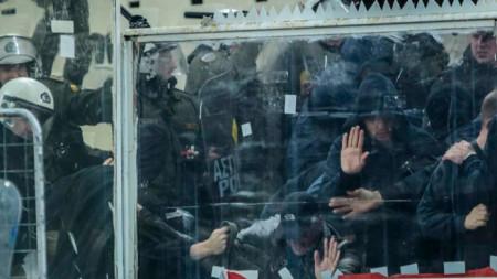 АЕК получи солена глоба за безредиците в Атина по време на мача с Аякс.