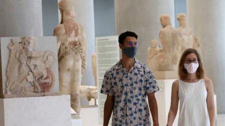 Гърция затвори за туристи